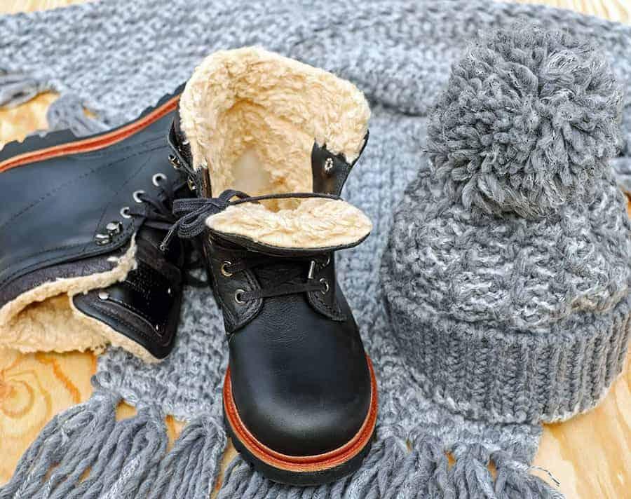 feste schuhe für einen sicheren gang im winter oder herbst