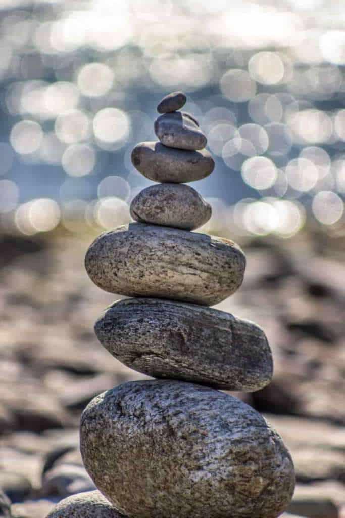 übereinander gestapelte Steine